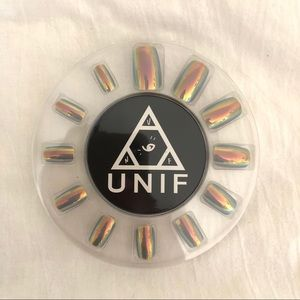 🍁UNIF Chroma Holographic Grey Press On Nails Set